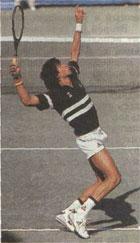 Это положение называют ''статуэткой подающего'' за его исключительную пластичность. Пройдёт буквально мгновение, и Яник Ноа (Франция), один из сильнейших теннисистов мира, осуществит мощнейший удар.